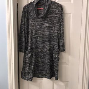 💥(3 for 20)Black & white tunic with pockets